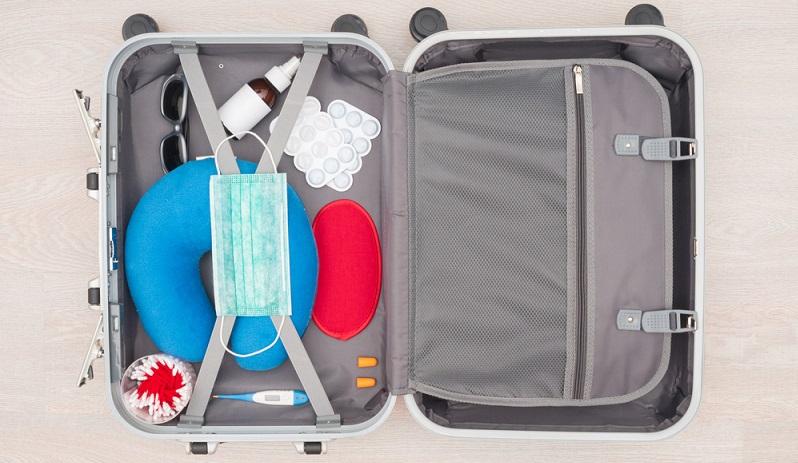 Für Reisen in die ganze Welt gilt, dass die Grundausstattung, die sich auf der Reiseapotheke-Checkliste befindet, in jedem Fall mitgeführt werden muss.  ( Foto: Shutterstock-_Lipskiy )